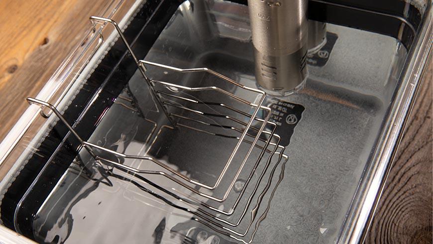 Bild vom Sous-Vide-Garer mit Wasser